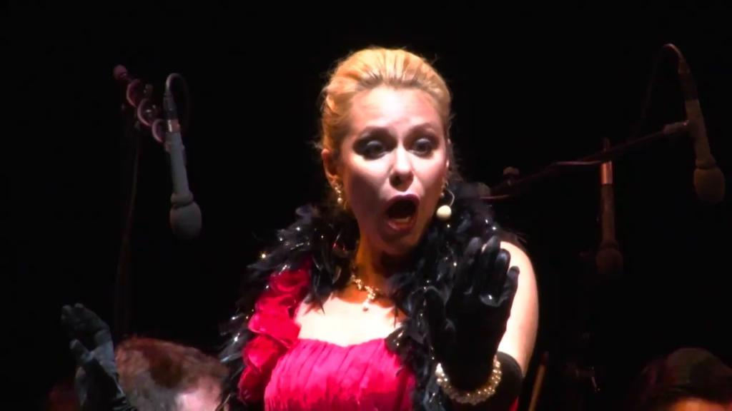 Bernstein: Glitter and be gay (Candide)